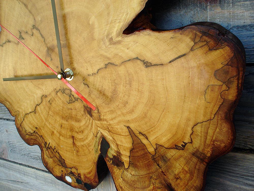 Часы на срезе дерева своими руками